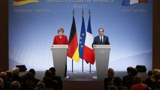 Няма да прекратим подкрепата за Украйна, коментираха Меркел и Оланд референдума в Холандия