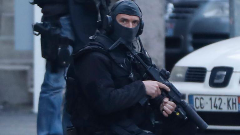 Властите във Франция са задържали жена във връзка с вчерашнатазаложническа