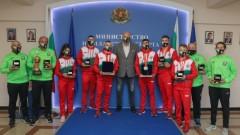 Министър Кралев награди медалистите от Европейското първенство по бокс за младежи и девойки