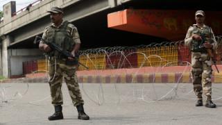 Индия отмени специалния статут на Кашмир и праща армия