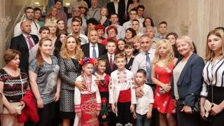 Радев се срещна с българската общност в Санкт Петербург