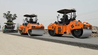 Азиатският гигант, който строи пътища с невероятна скорост