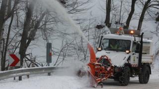 АПИ: Пътищата в страната са обработени и проходими при зимни условия