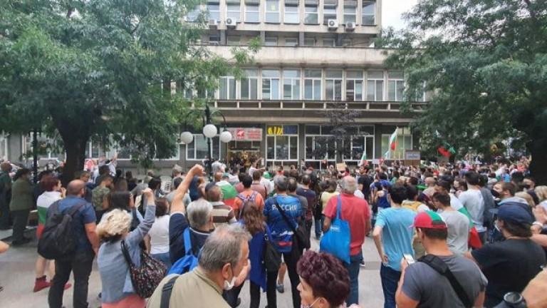 Мониторинг на плурализма в БНТ искат авторите на писмо срещу Емил Кошлуков