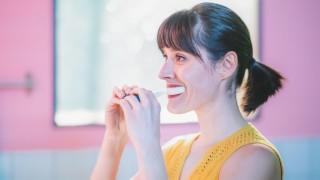 Четката, която мие зъбите ни за 10 секунди