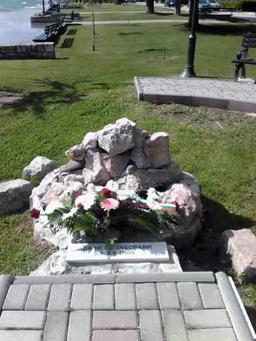 """Вигенин посети паметника на загиналите на кораба """"Илинден"""""""