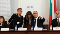 Комисията по досиетата няма да се закрива