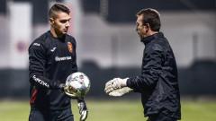 Националът Димитър Евтимов ще продължи да играе в Лига 1 на Англия