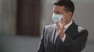 Президентът на Украйна Владимир Зеленски е с коронавирус
