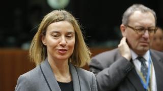 Няма да има в скоро време европейска армия, обяви Брюксел