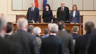 Караянчева припомни, че обвиненията нямат място в НС