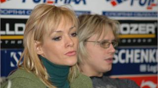 Албена и Максим на леда още година