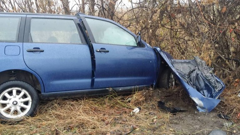 Жена загина при катастрофа между кола и микробус край Берковица,