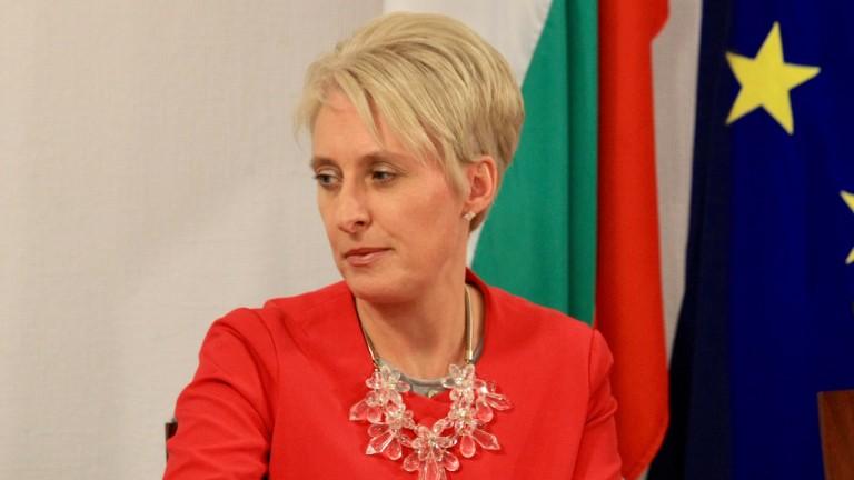 Британският посланик в България Ема Хопкинс изрази надежда Европейската футболна