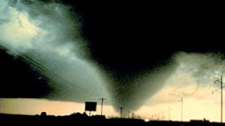 48 души загинаха при торнадо в САЩ