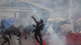 След месеци протести, Хонконг вече официално ще е в рецесия до края на седмицата