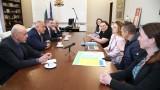 Борисов обеща да събори скелето и да строи нова детска болница