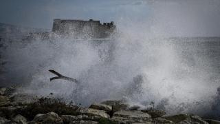 Бурният вятър и пороите в Италия взеха 5 жертви