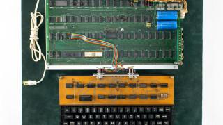 Работещ компютър Apple, създаден през 1976-а, си търси нов собственик за $300 000
