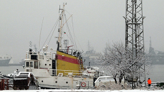 Силен вятър затвори пристанищата във Варна и Бургас