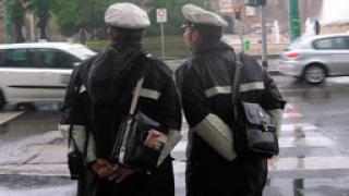 Предлагат по-високи заплати за полицаи-отличници