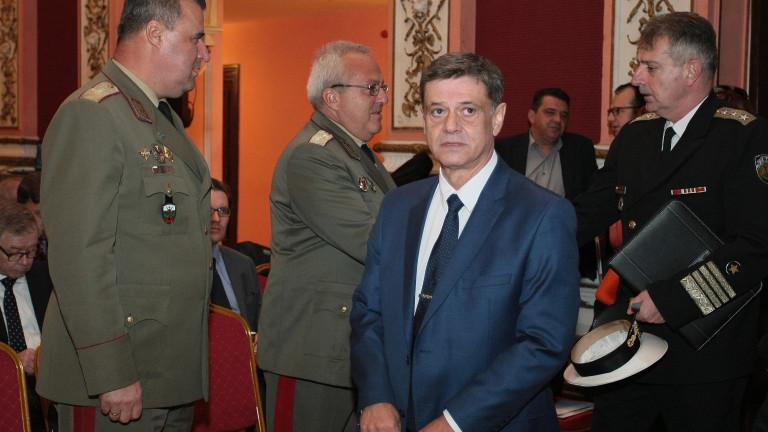 Гръбнакът на европейската отбрана ще продължат да бъдат националните армии.