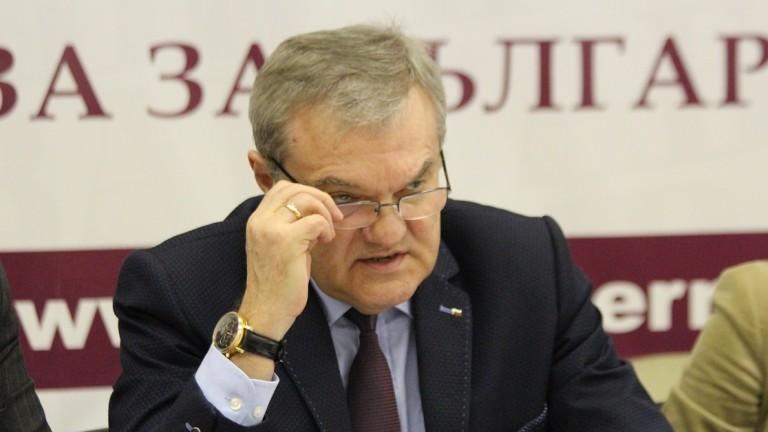 Асансьорът на Цветанов сваля кандидатите на ГЕРБ за евровота наполовина, убеден Румен Петков