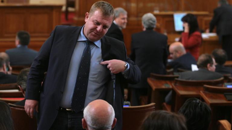 Забраната на бурките в цялата страна мина в комисията