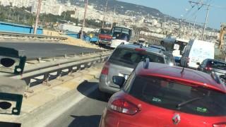 Камион падна от Аспаруховия мост във Варна
