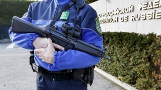 Женева повиши нивото на тревога, властите издирват терористи