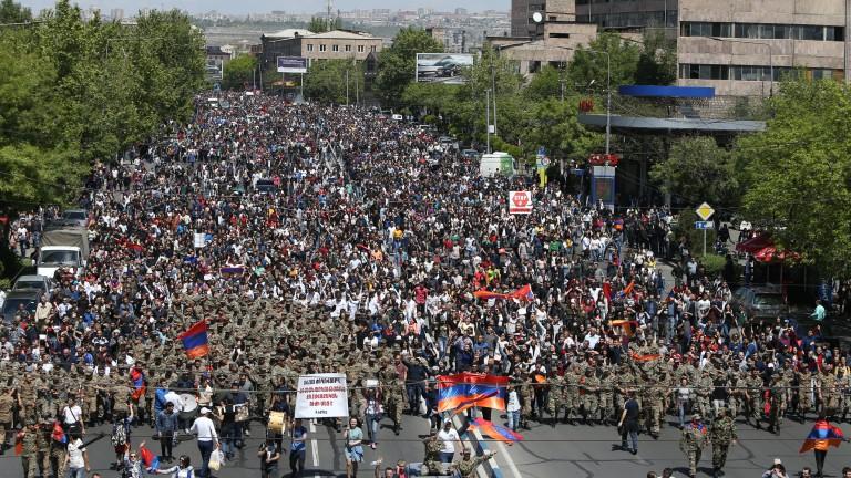 Арменска партия напусна управляващата коалиция