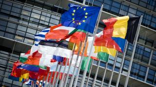 Многопластовата битка за Европа*