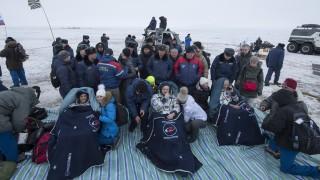 Двама американци и руснак успешно се завърнаха от МКС