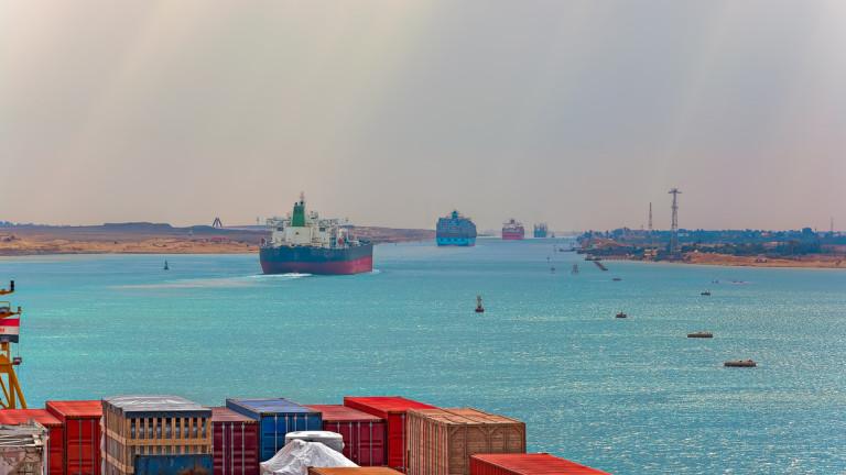 Танкер отново блокира Суецкия канал