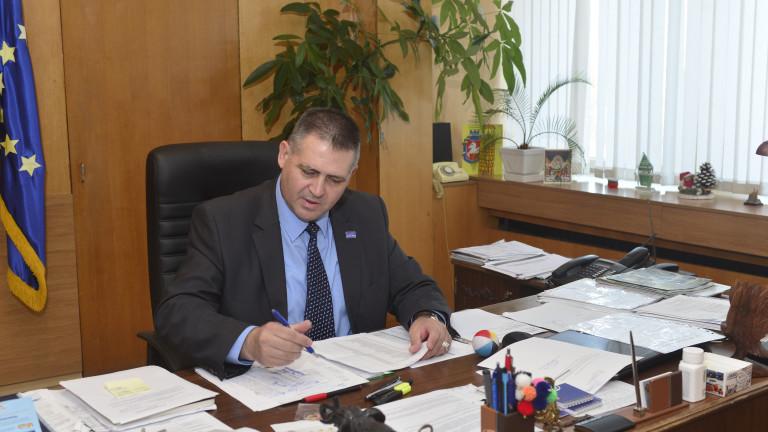 Снимка: Кметът на Разград: Реализираме важни социални проекти, Бизнес зоната се развива
