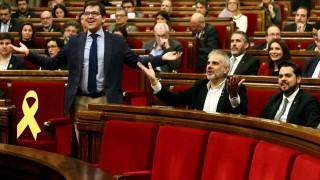 """Каталунският парламент заклейми """"авторитаризма"""" на Мадрид"""