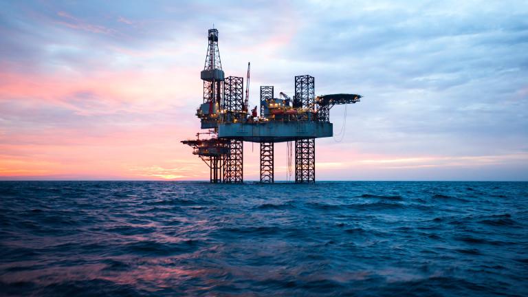 Саудитска Арабия ограничава износа на петрол, за да стабилизира пазара