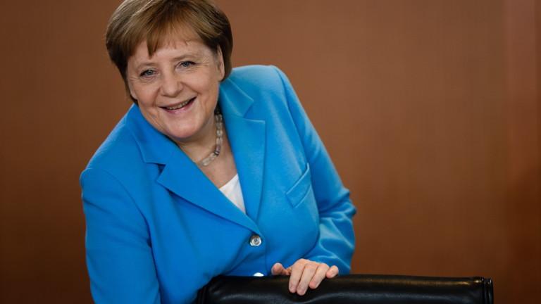 Меркел за трети път трепери неконтролируемо