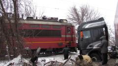 Камион катастрофира до жп линия по пътя Русе - Бяла