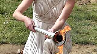 Гърция промени маршрута на олимпийския огън