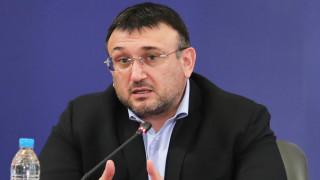 Младен Маринов: Може да следим устройства, не да подслушваме