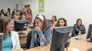 Рекордът: 20 мин. за теста по български за 7 клас