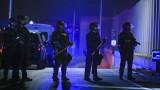 Въоръжени поддръжници на Тръмп се събраха пред центрове за броене на гласове