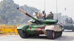Индия харчи все повече за отбрана, но не и за модерни оръжия