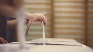 ЦИК пита МЗ дали в подвижните секции ще гласуват и карантинирани, и хора с увреждания