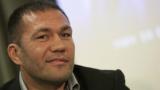 Кобрата остава пред новия световен шампион по бокс