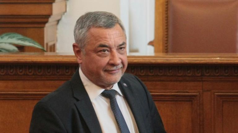 Валери Симеонов се обяви за закриване на НСО