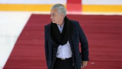 Моуриньо отказа посещенията на хокейни мачове след падането