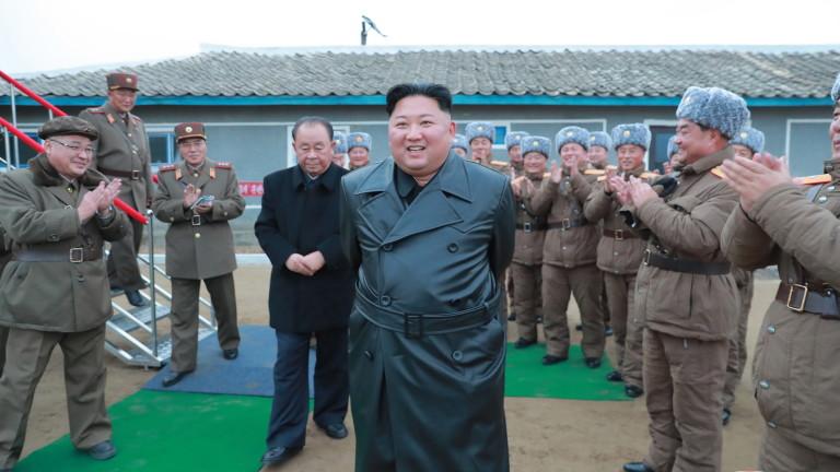Снимка: Ким Чен-ун лично наблюдавал теста на реактивна система за залпов огън