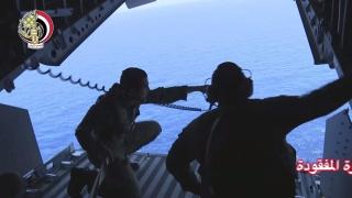 """Дълбоководна подводница дири """"черните кутии"""" на падналия самолет на EgyptAir"""